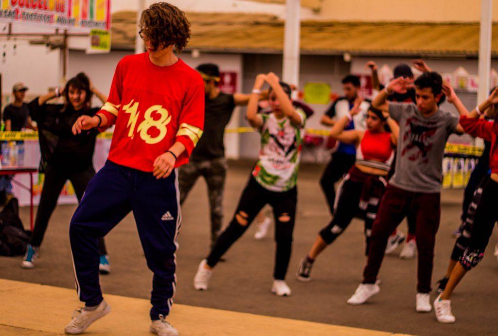 We dance. Dia I (2)